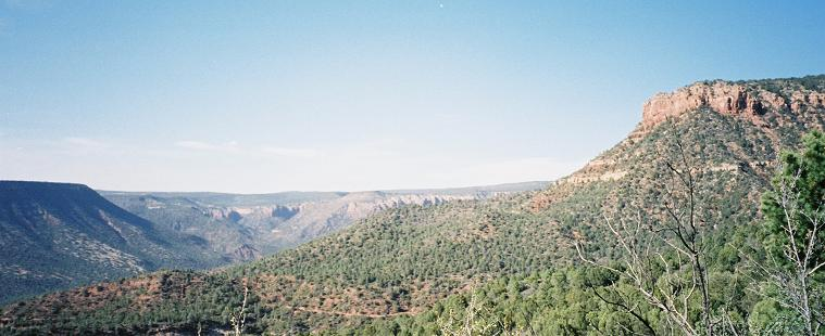 The Mogollon rim from The Fossil Springs trail